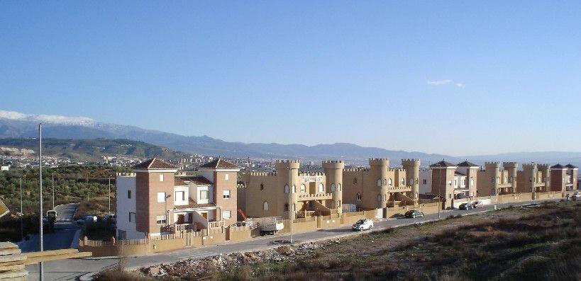 Urbanización Los Castillos (Peligros, Granada)