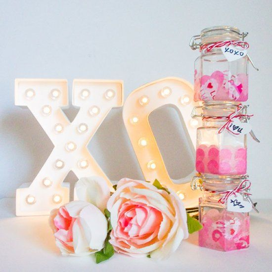 Looking for a quick DIY idea for Valentine's Day? These mini mason jars with tissue paper make the cutest gifts!