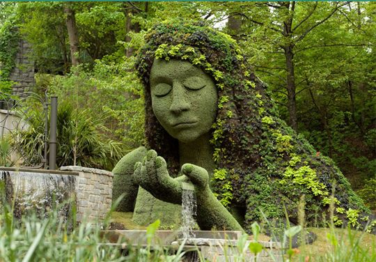Theyu0027re Whimsical And Imaginative, Artful And Sculpturalu2026topiary Gardens  Take Many Shapes