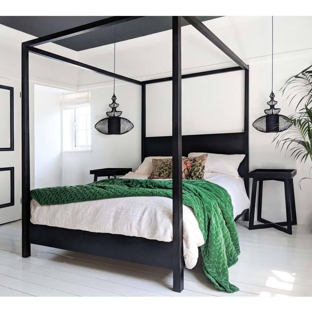 Plushious Velvet Emerald Green Bedspread Black canopy
