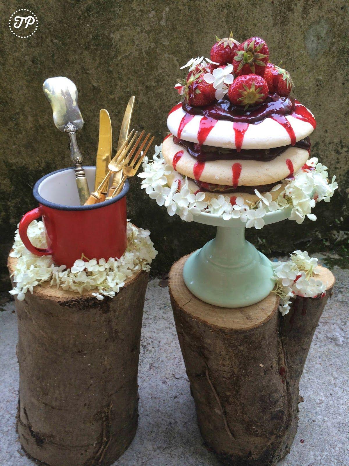 Tartapitufa: Pavlova vegana sin huevo, sin gluten sin lactosa con fresas y chocolate!!