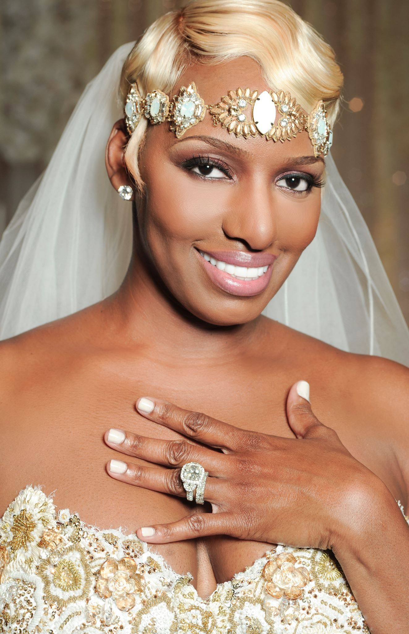 Nene Leakes Ring | He Put A Big Olu0027 Ring On It! Celebs With