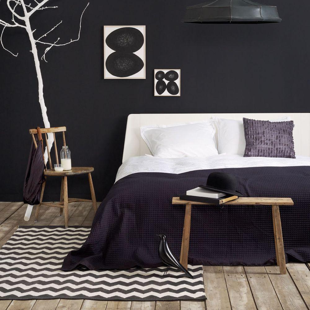 Auping: Schwarz und Weiß im Schlafzimmer #aupingde #designbett #designbed #schlafzimmer #bedroom #whitebedroom #guterschlaf #sleepwell #schlafzimmertrends #einrichtungstrends #schlafkomfort #betten