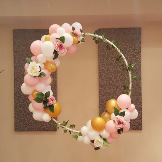 DIY Floral Balloon Hula Hoop Wreath for a party!