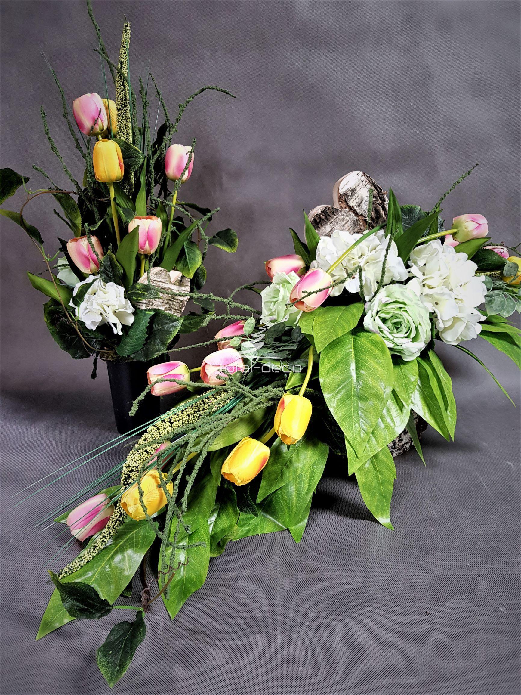 Zestaw Na Cmentarz Wiazanka Z Bukietem Kompozycje Nagrobne Wielkanocne Wiosenne Table Decorations Floral Floral Wreath
