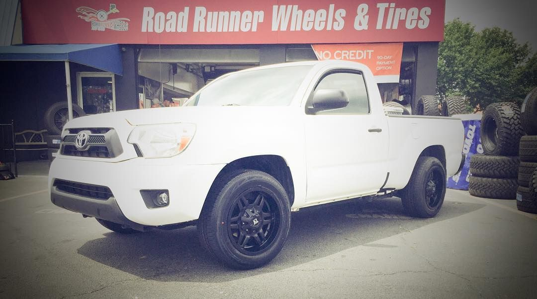"17"" K2 off-road #k2offroad #roadrunnerwheels #rimfinancing  Ask us how we can make your ride look like this!  Please share or like post. Thank You. http://ift.tt/2qrz5iY"