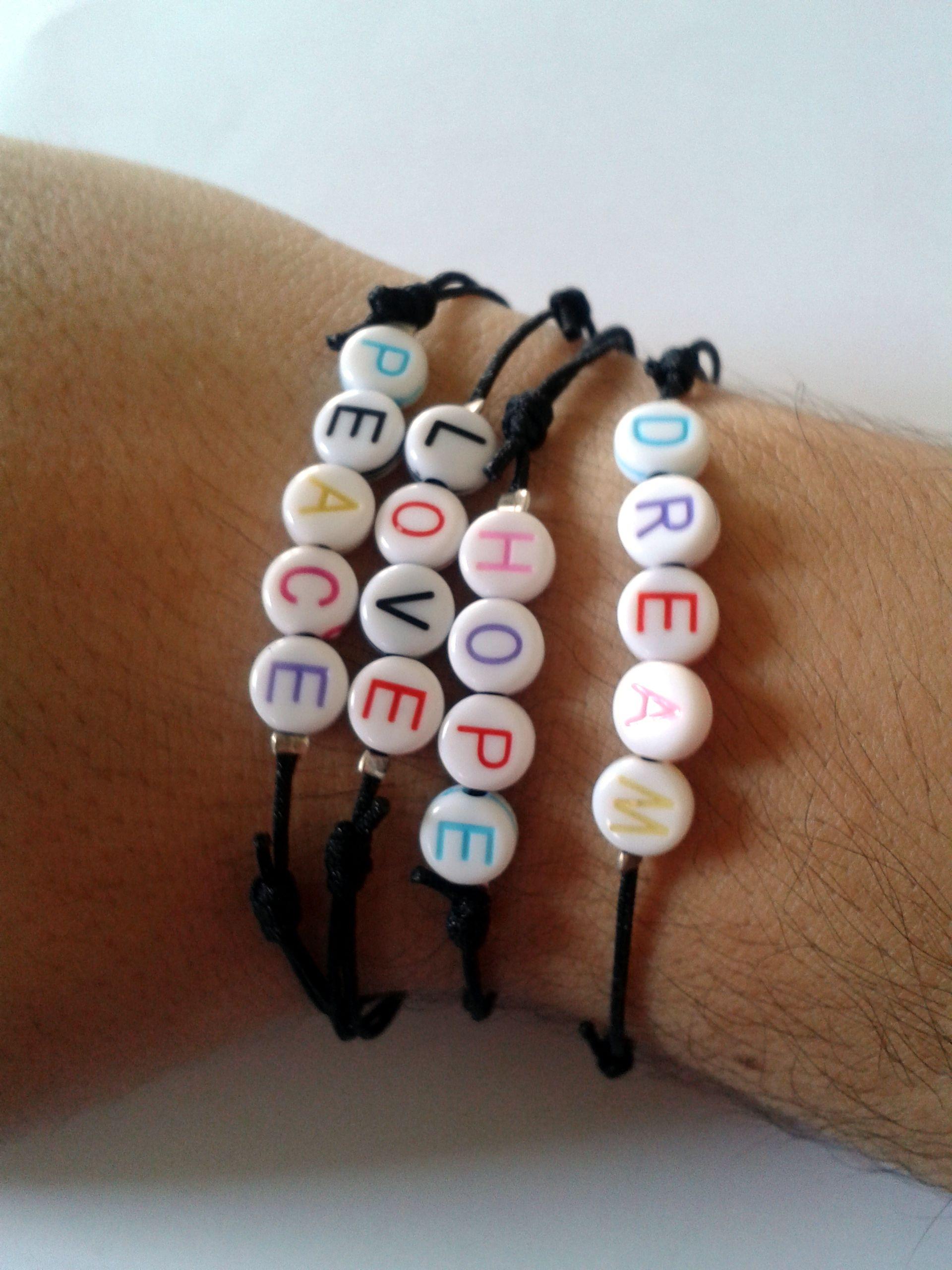 0105048fedad Juego de 4 pulseras de cordón italiano delgado color negro con cuentas de  acrilico blancas con