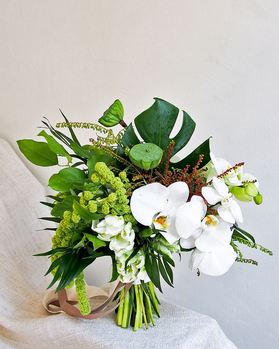 Wedding bouquets not flowers  Unique and Alternative Bridal Bouquets Your Wedding Florist Wishes