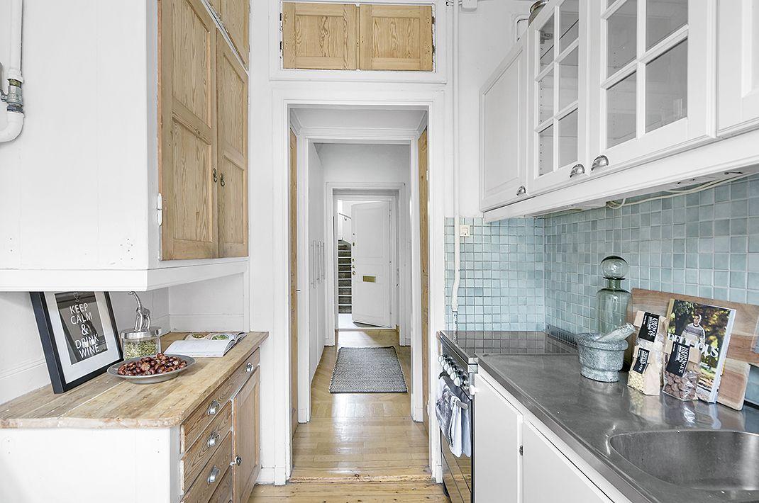 #homestyling #styling #kitchen #kök Ljus och fin etta i Vasastan   Move2