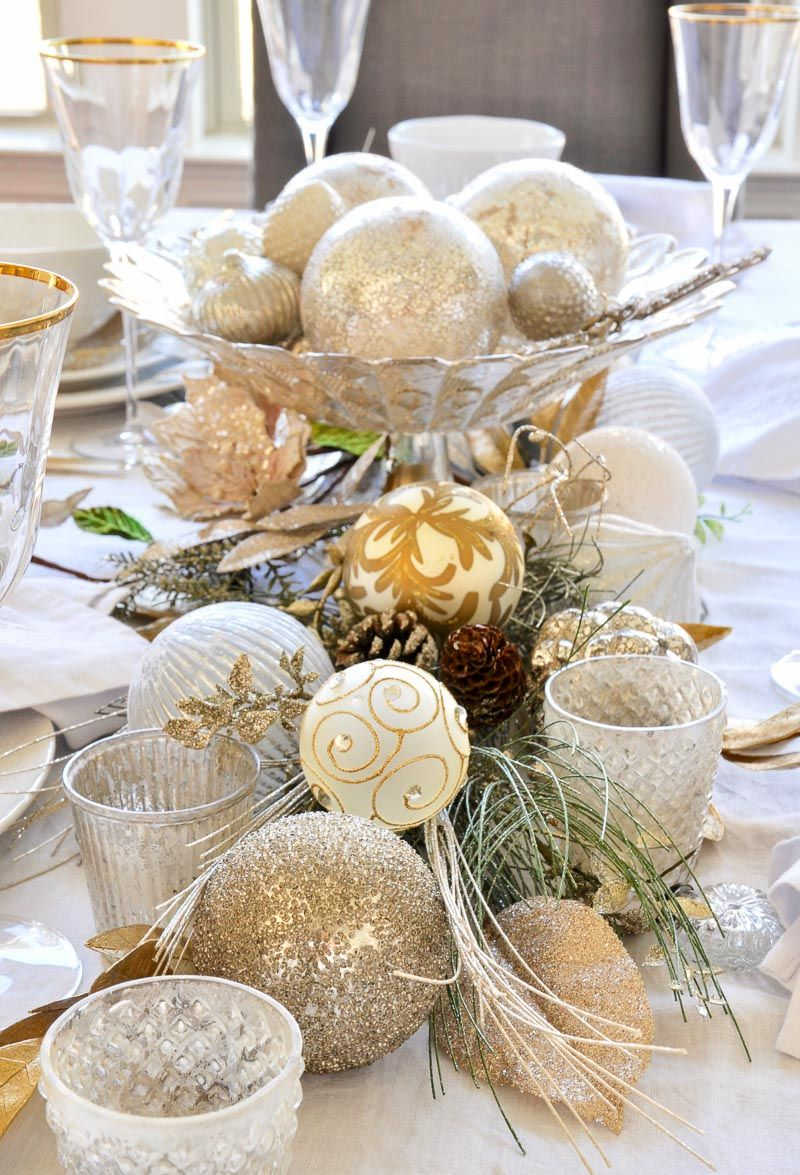 Elegant Traditional Christmas Dining Room By Gold Christmas Decorations Christmas Dining Room Gold Holiday Decor