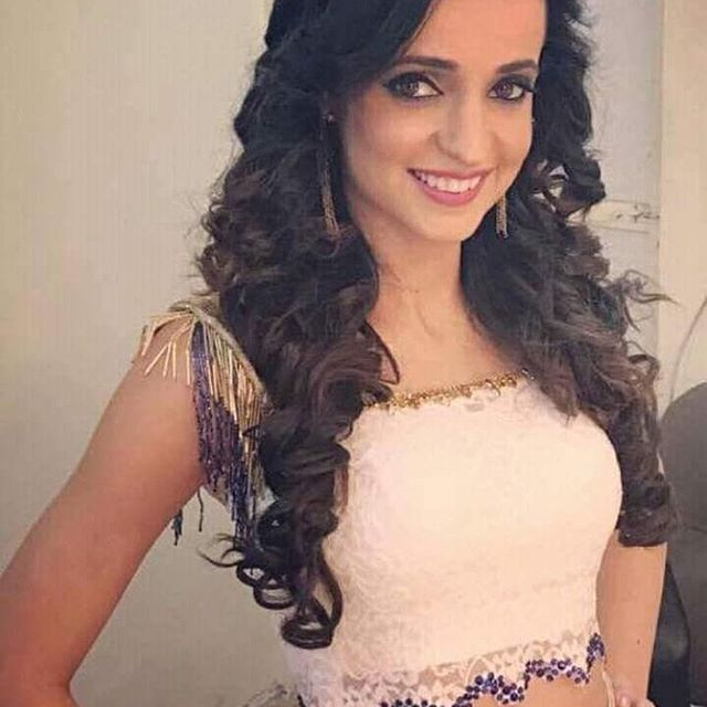 Sanayairani Congratulations To You For The 1 Million Followers On Your Instagram Woohoo Sanayairanihits1millio Hair Styles Long Hair Styles Beauty