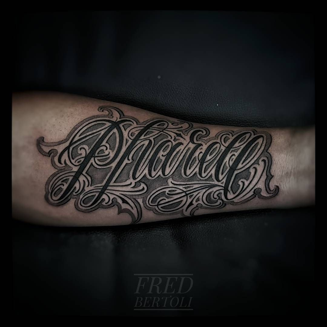 Pharel Tattoo Ecriture Lettering Lettrage Prenom Tattoo Avant Bras