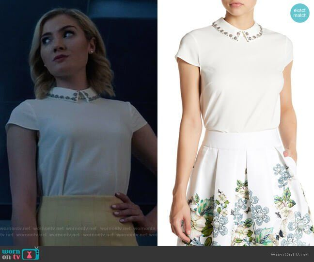 45fc5c7f5ff497 The Frost Sisters wear this white embellished-collar