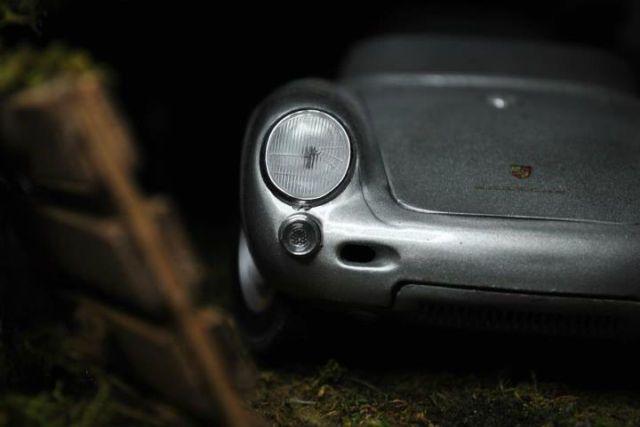 Porsche 550 Spyder Barn Find Diorama Aged 1 18 Diecast 75