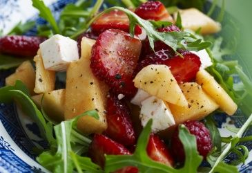 Jordbær- og melonsalat med limedressing