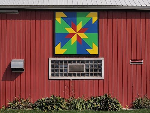 Hunters Star At The Uecker Farm Door County Wisconsin Barn Quilt Project Painted Barn Quilts Barn Quilt Patterns Barn Quilts
