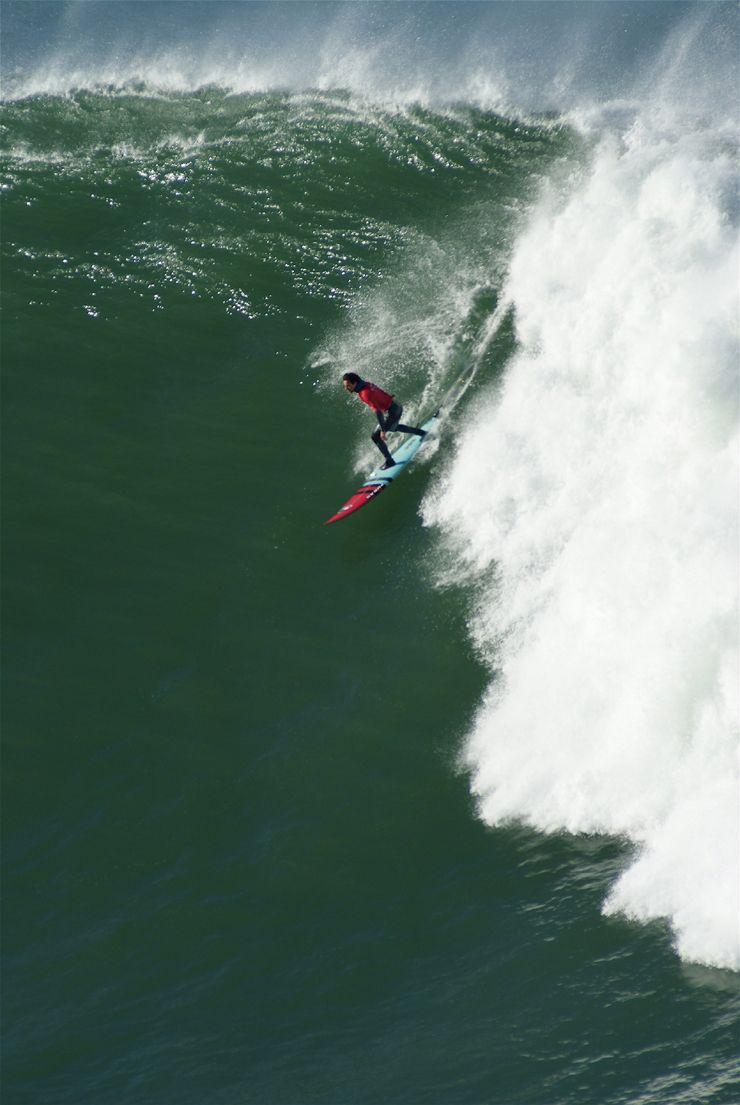 Circuito Mundial De Surf : 13 de noviembre de 2012. el campeonato de surf de olas grandes