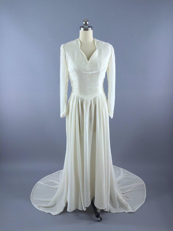 White Velour Wedding Dress Velvet Wedding Dress 1930s Wedding Dress 1940s Wedding Dress [ 1500 x 1125 Pixel ]
