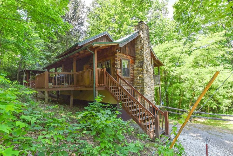 Lazy Bear Cabin in 2020 (With images) Gatlinburg cabins