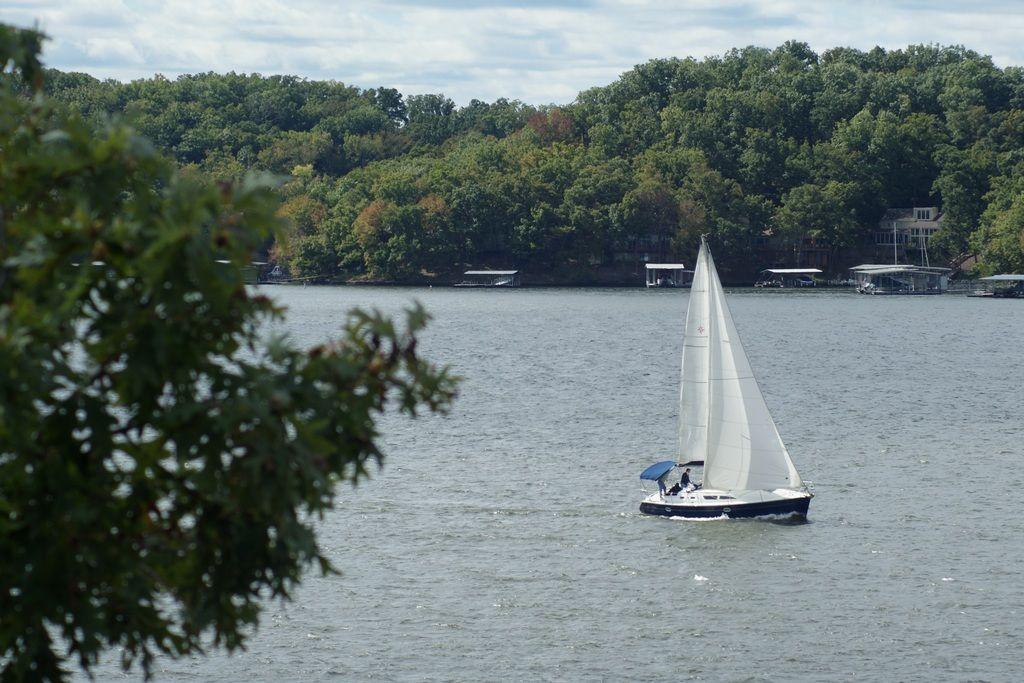 Sailing on the lake of the ozarks sailing lake ozarks