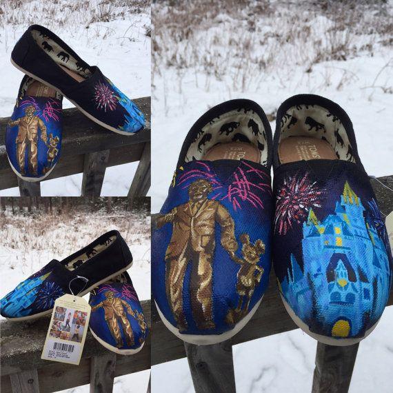 Disney World Statue Toms (walt disney & mickey shoes)