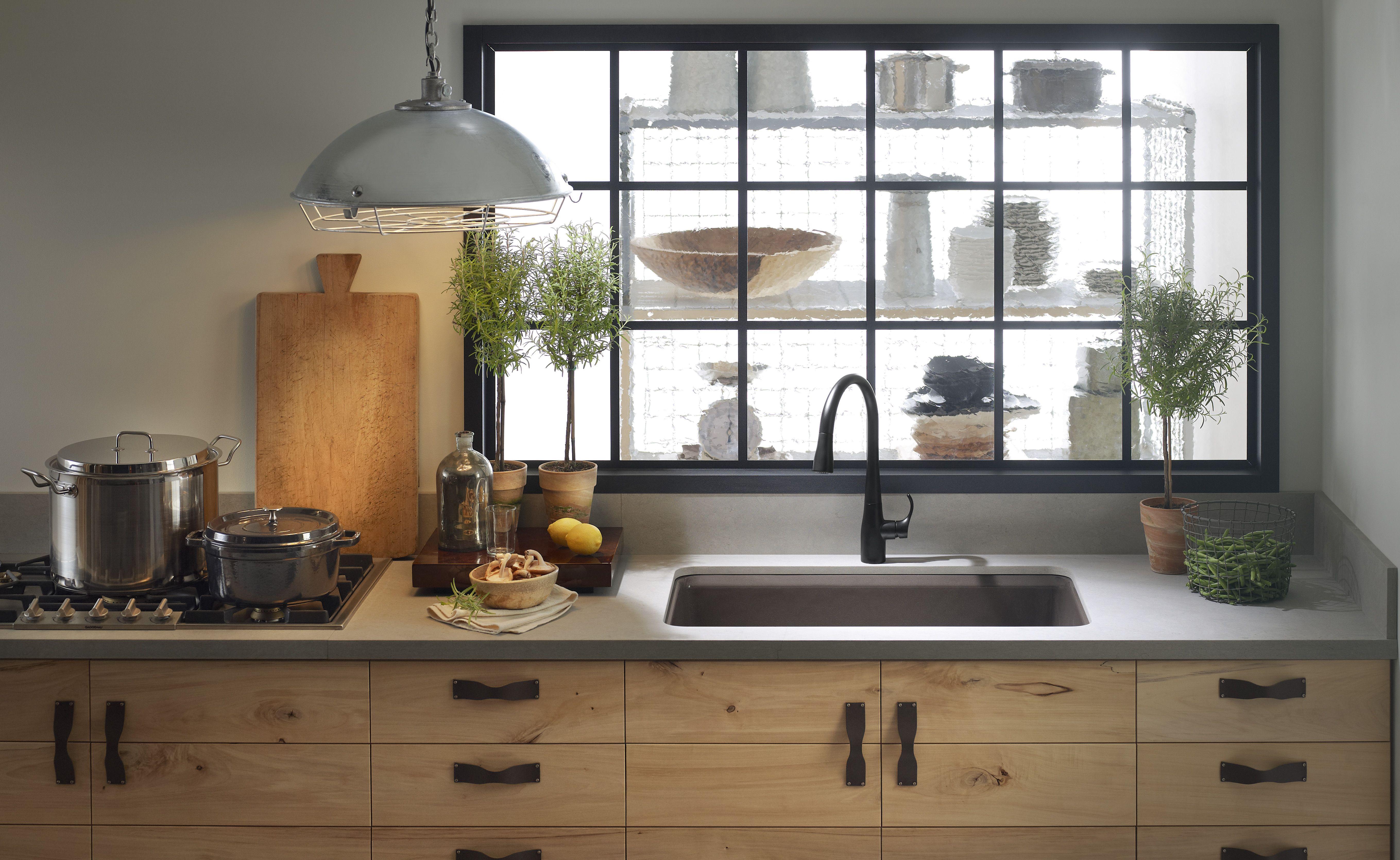 This Kohler Kitchen Is Amazing It S The Perfect Mix Of Modern And Rustic Mit Bildern Fenster Anthrazit Wohnen Kuche