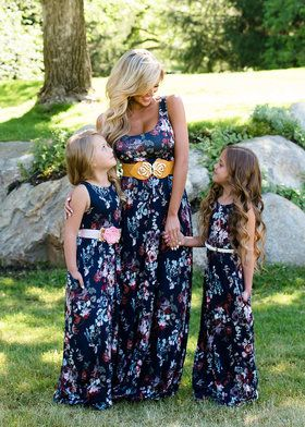 907681b64f Mommy Floral Long Luxurious Maxi Navy Mommy And Me Dresses, Mother Daughter  Dresses Matching,