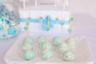 Palillos de madera de corazón, azules con topitos blancos (12 cms) pedidos: ettura@yahoo.es