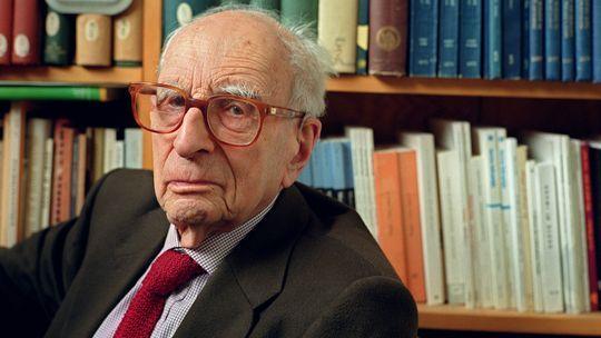 Claude Levi-Strauss im Juni 2001 am College de France in Paris.