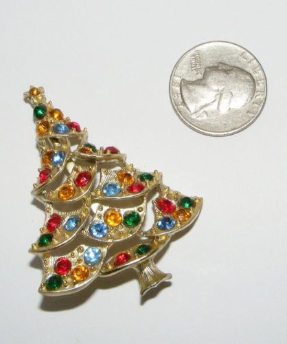 Vintage Rhinestone Christmas Tree BROOCH pin figural costume jewelry