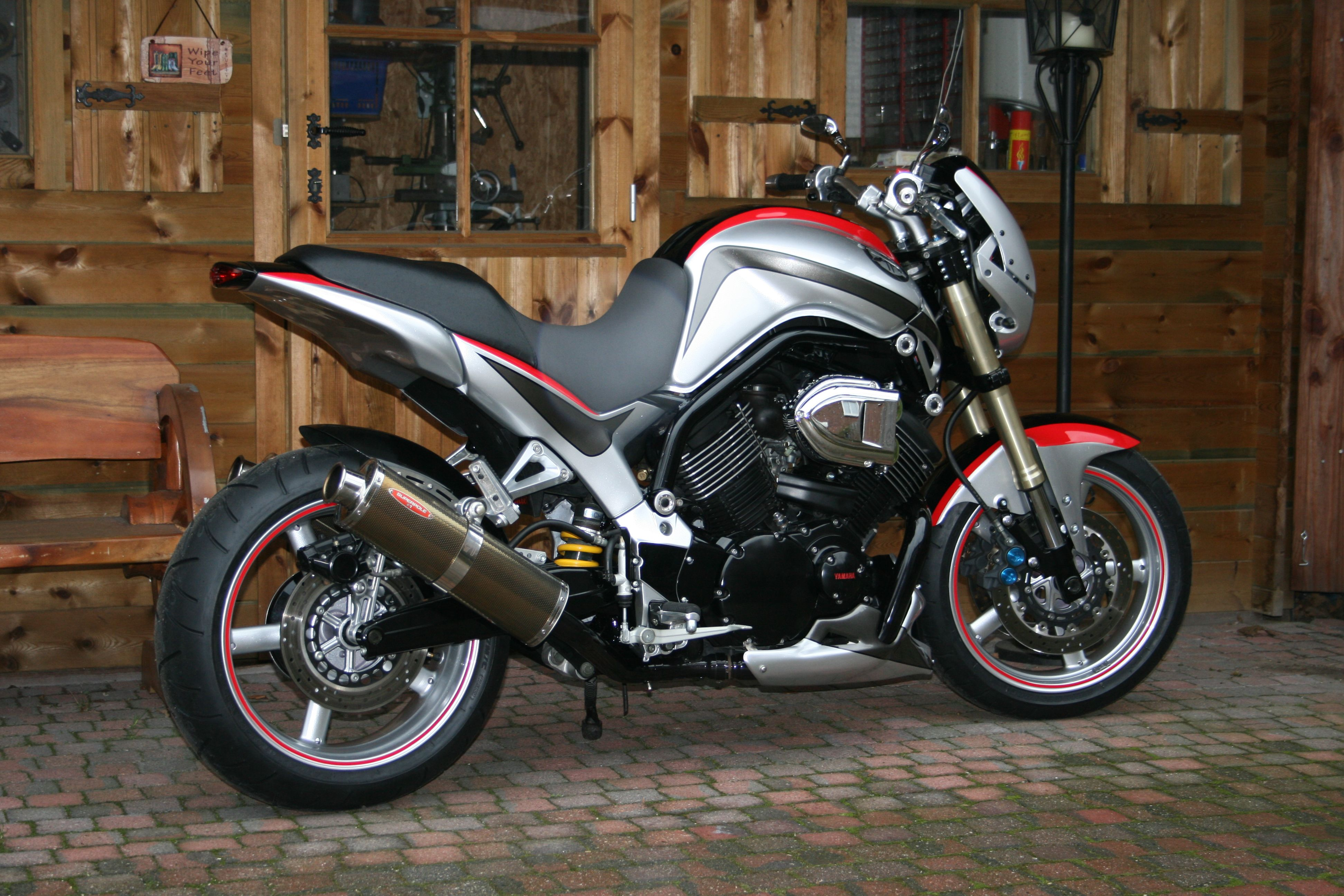Super Bikes Custom Cafe Racer Yamaha Mixer Motorcycles Biking Bubbles Bicycling