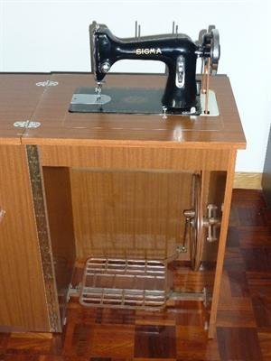 Maquina de coser antigua sigma 100 35900179 300 400 for Muebles de costura