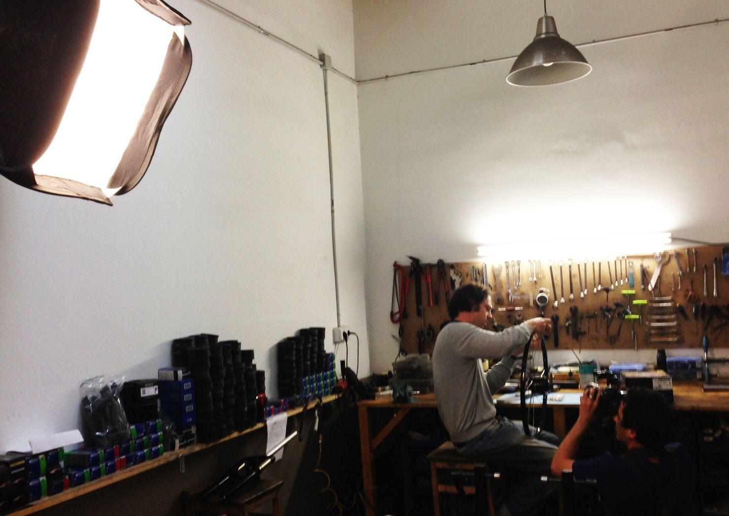 Grabación en el taller de la Bicitecla en Barcelona