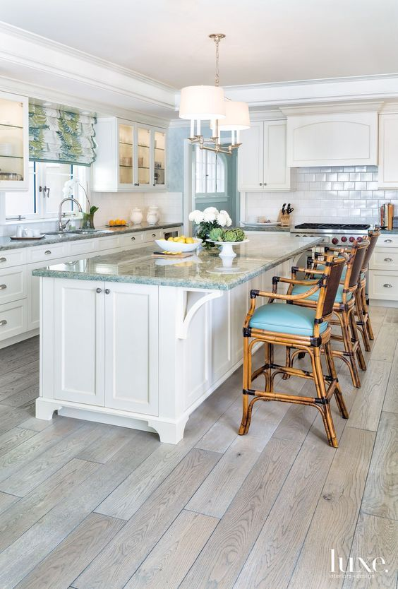 We're giving this coastal Palm Beach kitchen by Allison ...