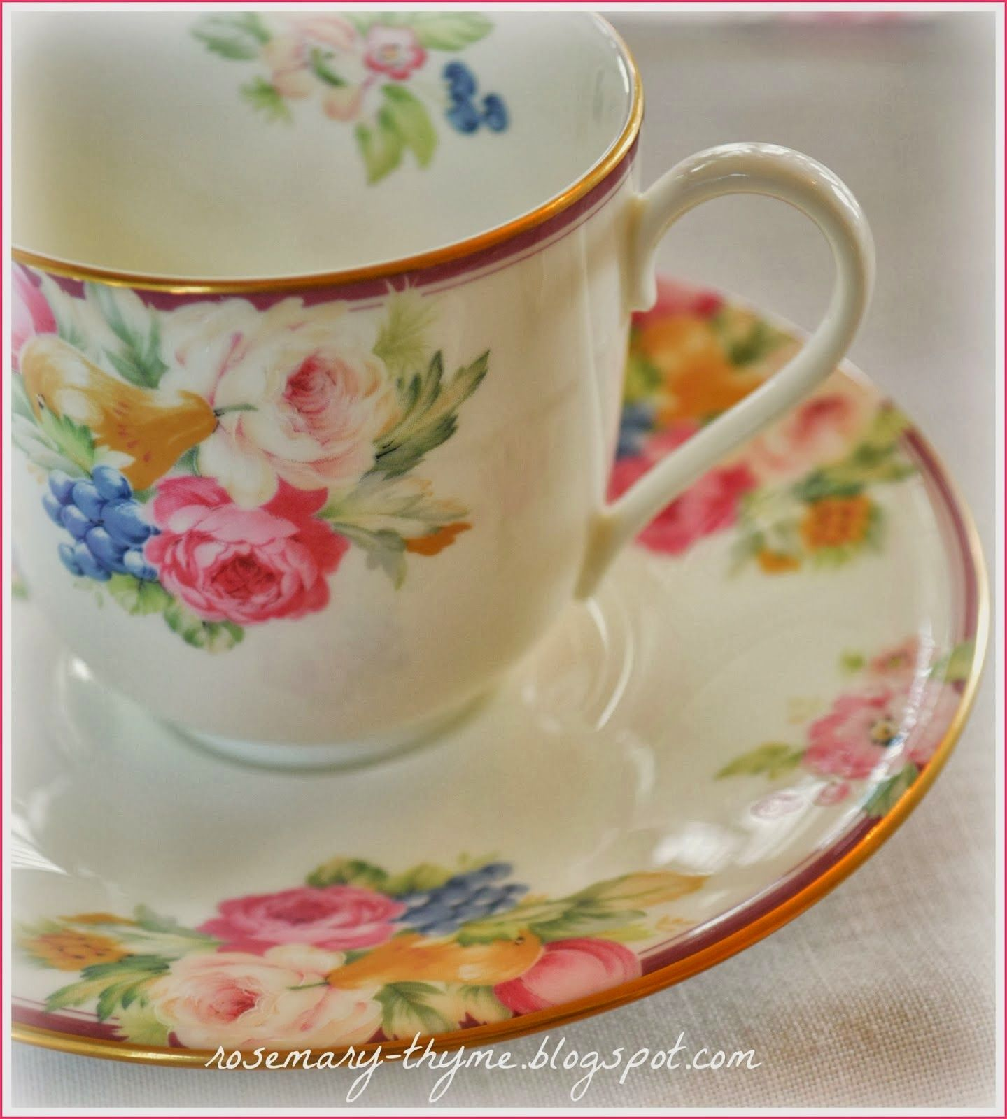 color my decor Tea cups vintage, Romantic table, Tea cups
