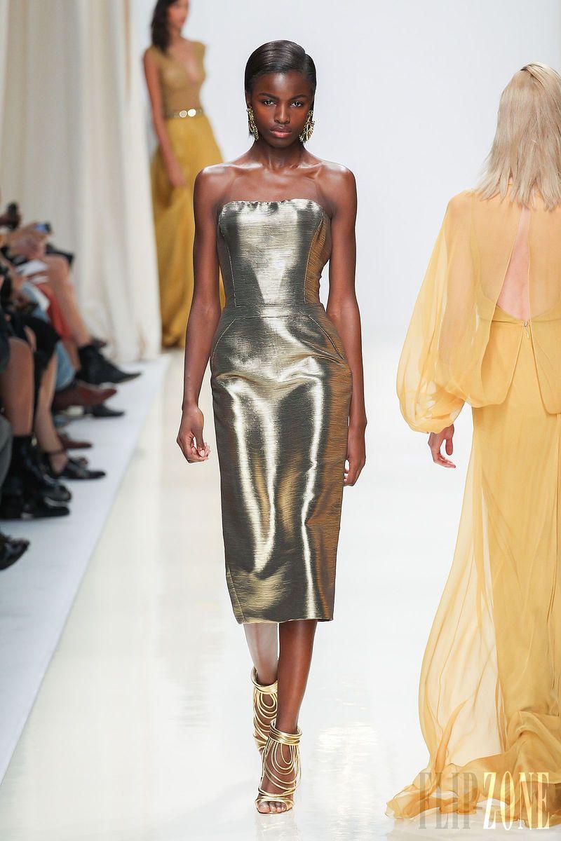 Valentin Yudashkin - Prêt-à-porter - Printemps-été 2014 - http://www.flip-zone.fr/fashion/ready-to-wear/independant-designers/valentin-yidashkin-4217 - ©PixelFormula