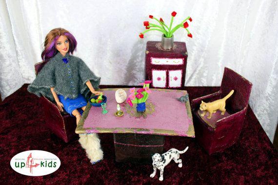 Esszimmer Tisch Stühle Schrank zB für Barbie, Monster Ever After - barbie wohnzimmer möbel