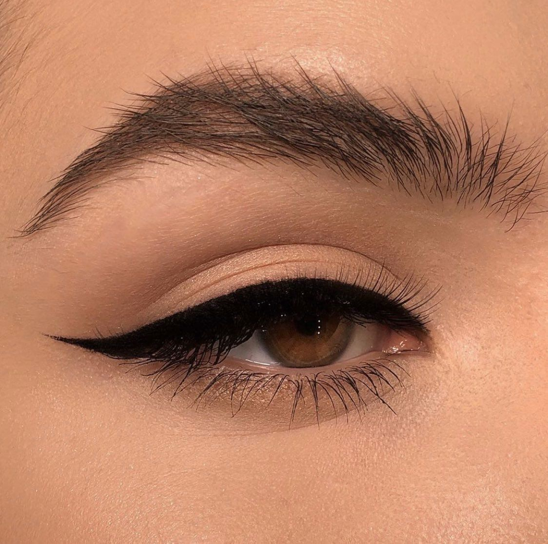 "Photo of 🕊 on Twitter – 🕊✨ on Twitter: ""eyeliner looks by elena rachitskaya… …"