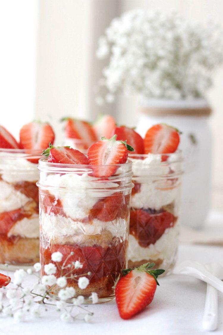 Rhabarber-Erdbeer-Tiramisu © Emmas Lieblingsstücke