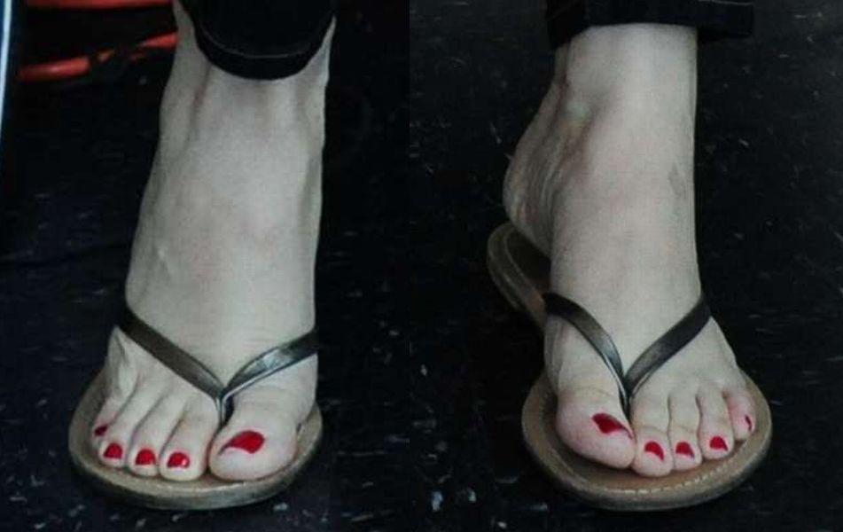 Brie feet alison Alison Brie