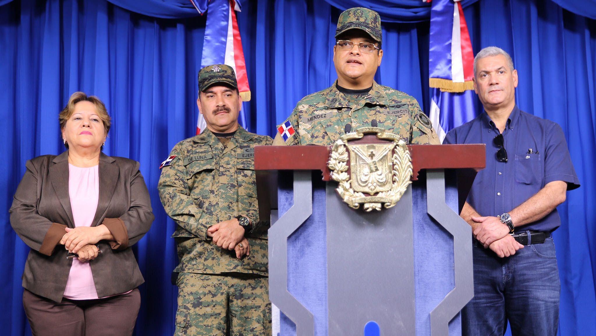 Presidente Danilo Medina instruye salvar vidas ante activa onda tropical