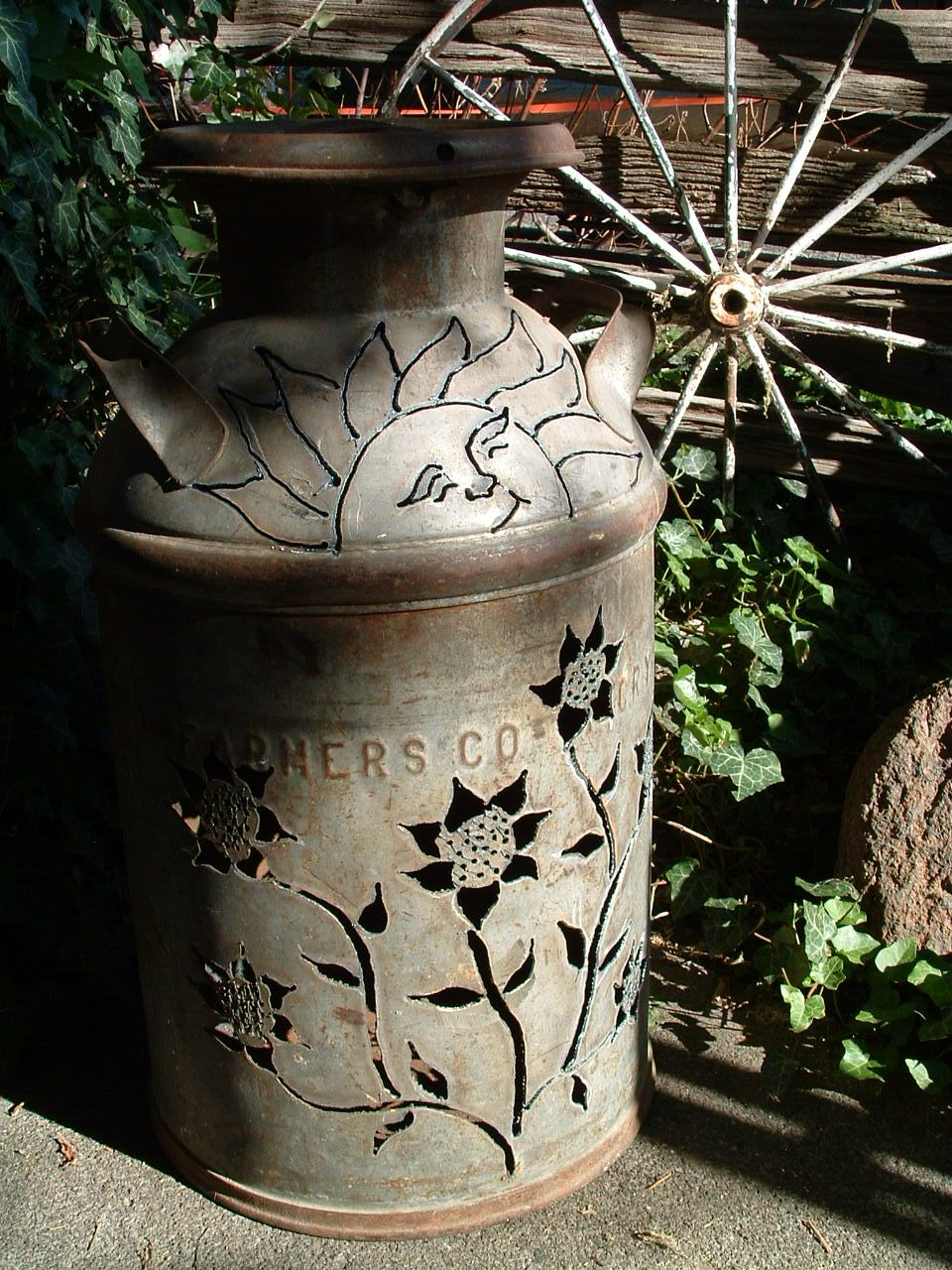 Love The Detail Old Milk Cans Milk Can Decor Painted Milk Cans