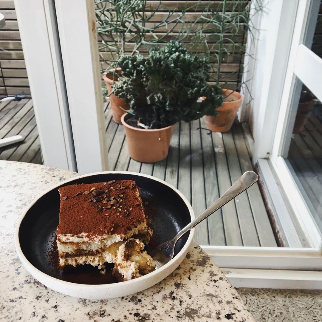 姨媽來最想吃甜的了 好想吃Solidbean Coffee Roasters的提拉米蘇啊~~~~~