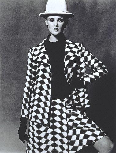 https://flic.kr/p/8St4Tu   Grace Coddington in Nina Ricci 1965, John French Photographer