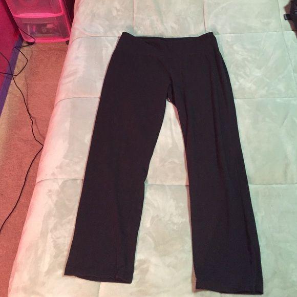 Black yoga pants Very comfortable XL black boot cut yoga pants. Length short, I am 5'4 and fit me great. Slender Shapes Pants Straight Leg