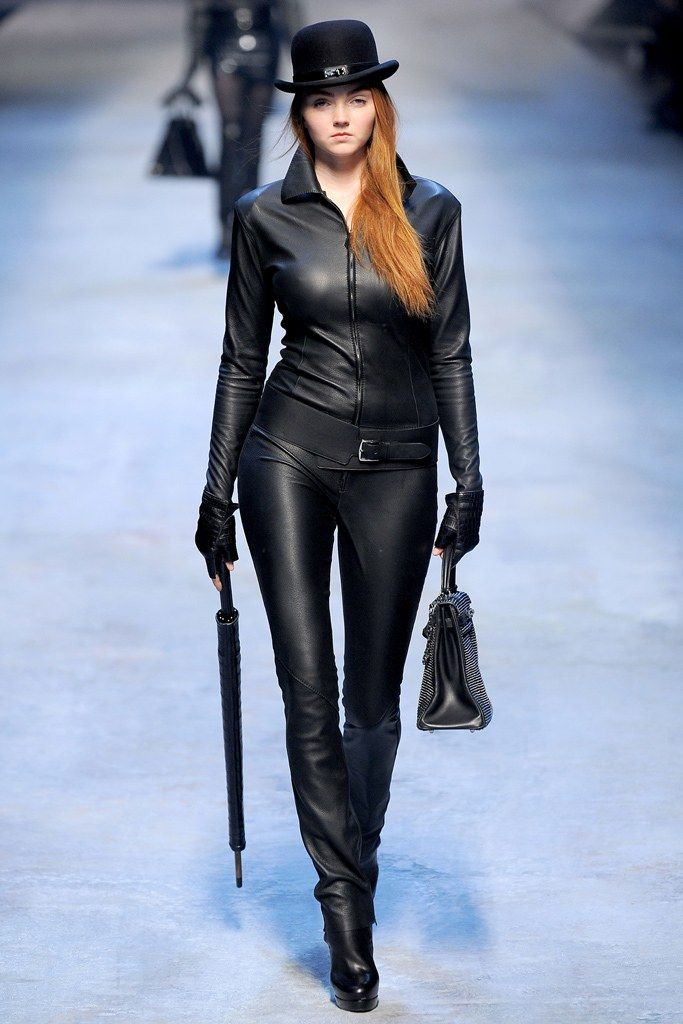Hermès Fall 2010 Ready-to-Wear Fashion Show - Lily Cole
