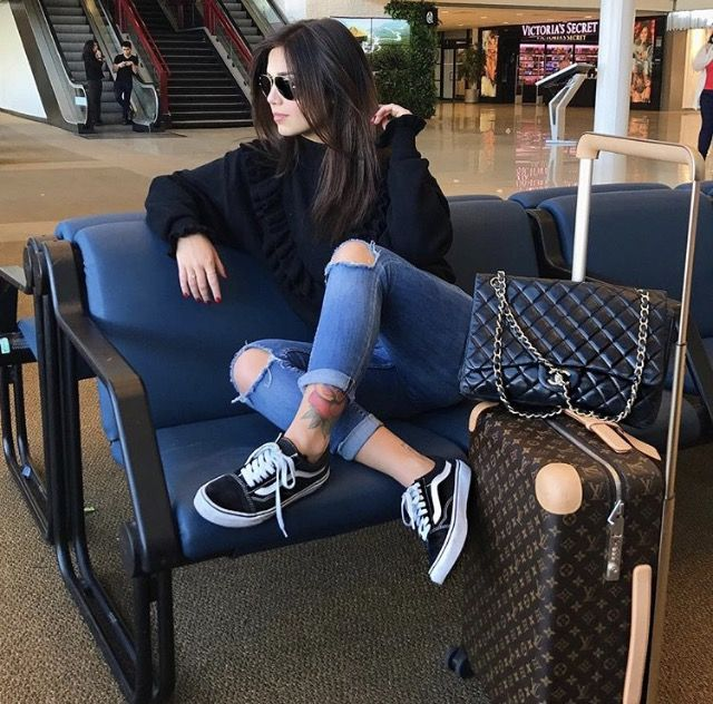 Jeans Vans Black Sweatshirt Airplane Outfits Airport Outfit Fashion