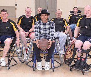 صور.. هاميلتون يجلس على الكرسي المتحرك تكريما لأبطال الجيش  #سيارات_المشاهير #تيربو_العرب #صور #فيديو #Photo #Video #Power #car #motor #Celebrities