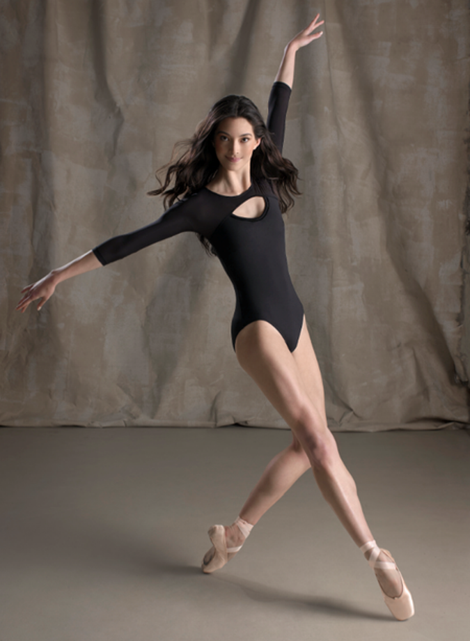 Pin By Michelle Holt On Groovy Girl Dance Poses Dance Pictures Dance Photography