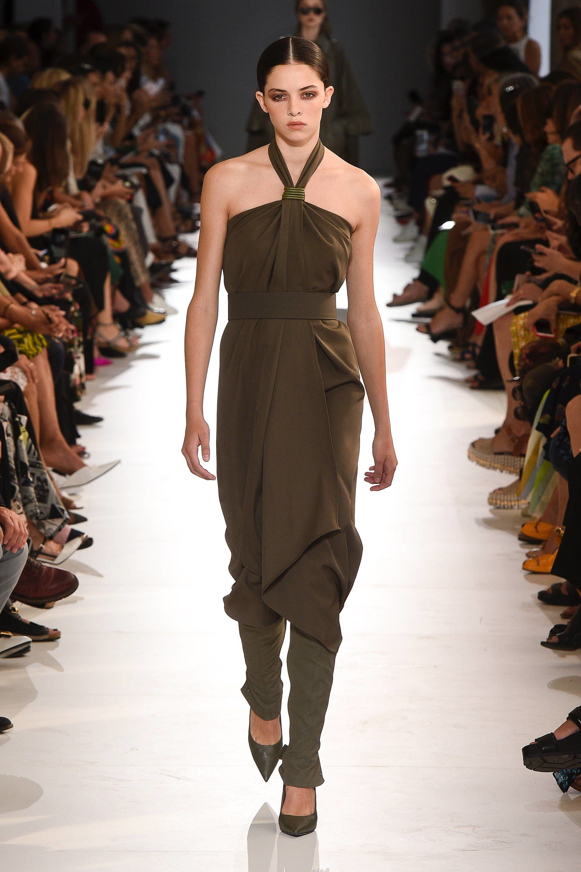 91068996ef Max Mara Spring 2019 Ready-to-Wear Collection - Vogue  MaxMara  fashion   Koshchenets